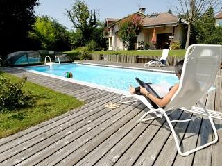 Całkowicie zsunięte zadaszenie basenowe Elegant NEO