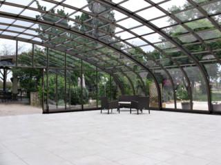 Zasuwane zadaszenie patio CORSO Horeca - świetne rozwiązanie dla Twojego biznesu