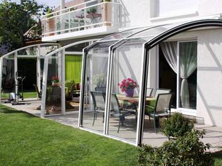 Zasuwane zadaszenie patio CORSO Solid wykonane przez Alukov