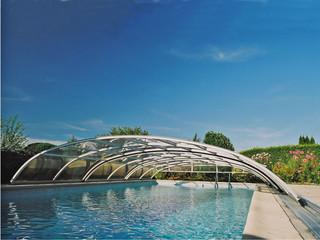 Zadaszenie basenowe ELEGANT NEO wykonane z białych profili
