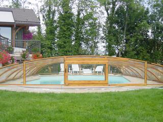 Zasuwane zadaszenie basenowe ELEGANT NEO w kolorze imitującym drewno