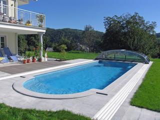 Niskie zadaszenie basenowe ELEGANT postawione na końcu ogrodu