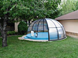 Zadaszenie basenowe ORIENT chroni basen przed zanieczyszczeniami i liściami