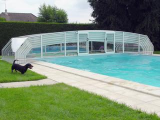 Niskie zadaszenie basenowe RIVIERA