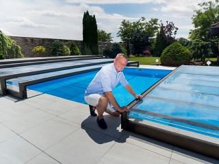 Zadaszenie basenowe Terra może obsługiwać jedna osoba