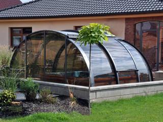 Zadaszenie wanien spa OASIS™ - Prywatne w słonecznym pokoju