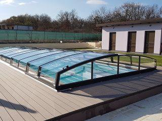 Acoperire piscina Azure Angle montata pe deck