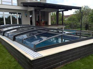 Acoperire piscina Azure Angle vedere din spate