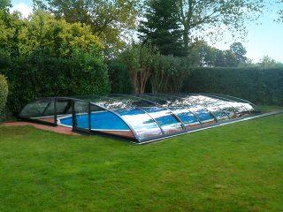 Acoperire piscina Azure Flat Compact cu usa pe peretele frontal