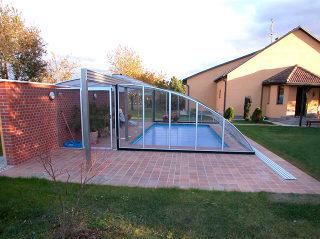 Acoperire piscina RAVENA - instalare atipica