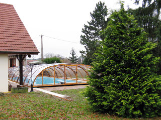 Acoperire piscina TROPEA  se potriveste perfect cu piscina