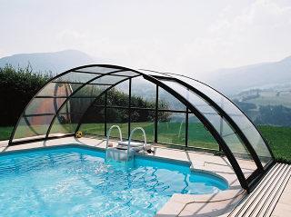 Acoperire retractabila de piscina UNIVERSE folositi piscina si cand vremea e neprielnica