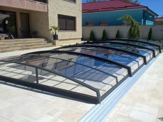 Acoperire retractabila pentru piscina Azure Angle