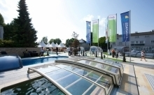 ALUKOV impreuna cu Compass Pools Europe au inaugurat in anul 2014 cel mai mare showroom specializat in piscine, acoperiri piscine si acoperiri Spa