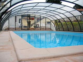 Pooltak LAGUNA - värmer och skyddar din pool