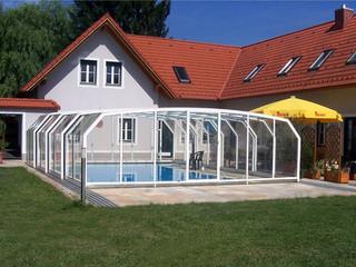 Skjutbara Pooltak använder polycarbonate fyllning och aluminium ram