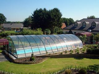 RAVENA  - pooltak med utsikt över trädgården, från Termatec