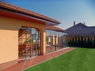 Uterum CORSO SOLID - skyddar mot väder och vind