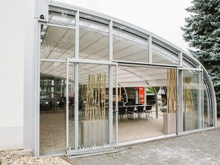 Front view on the patio enclosure Corso for Horeca