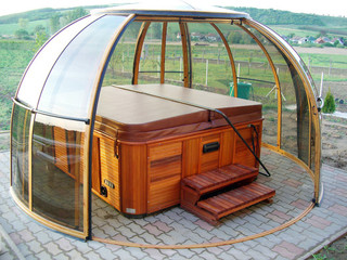 Round hot tub enclosure SPA DOME ORLANDO by Alukov
