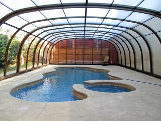 Inside view of pool enclosure Laguna with wood imitation finish