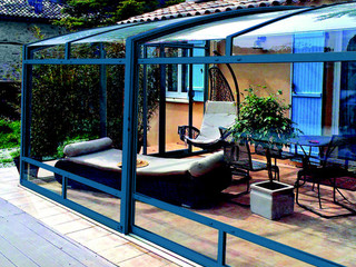 CORSO Premium patio enclosure with cobalt blue finish