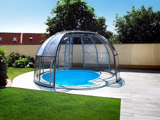 Opened Hot tub enclosure SPA Dome Orlando
