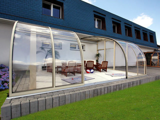 Retractable pool and patio enclosure CORSO Entry is an innovative house extension
