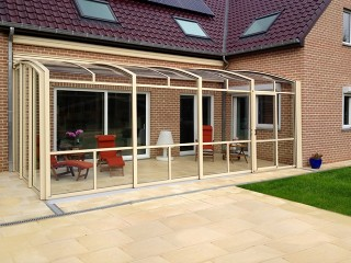 Patio enclosure Corso Premium beige finish