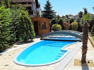 Pool enclosure Imperia fits on every shape of pool