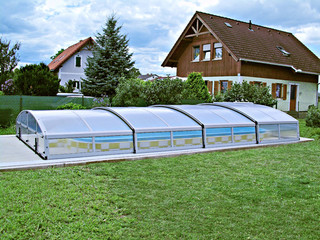 Pool cover IMPERIA NEO light will protect your pool from garden debris