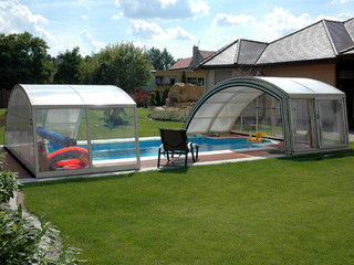 Retractable pool enclosure RAVENA 03