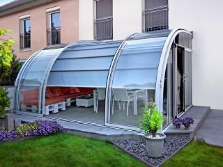 Retractable patio enclosure Corso Entry with shadings