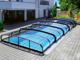 Retractable swimming pool enclosure Oceanic low