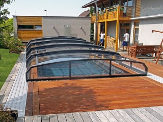 Swimmig pool enclosure Oceanic low