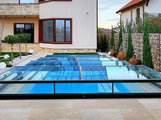 Swimming pool enclosure Champion