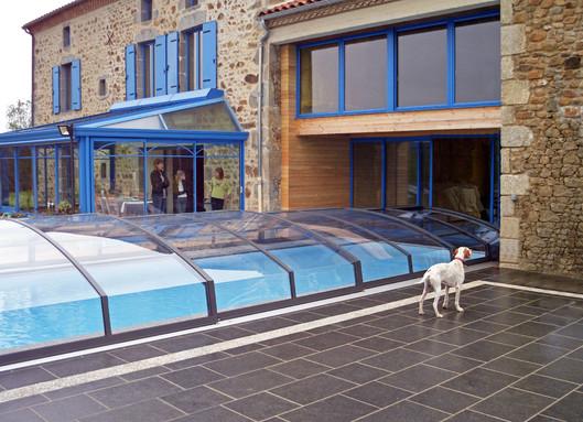 Swimming Pool Covers Guide: Pool Covers vs. Pool Enclosures ...