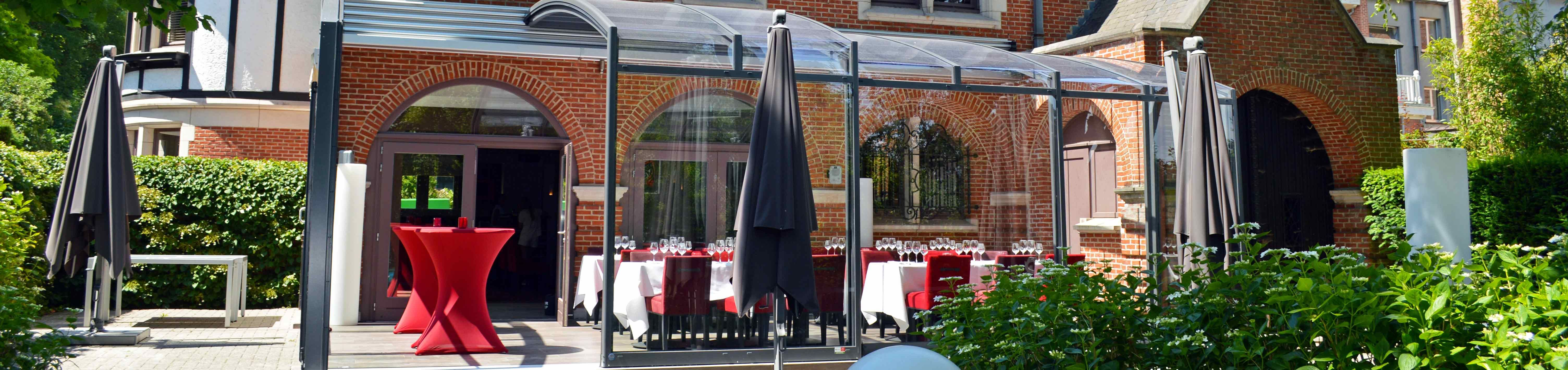 Horeca enclosure system Corso Premium retractable patio