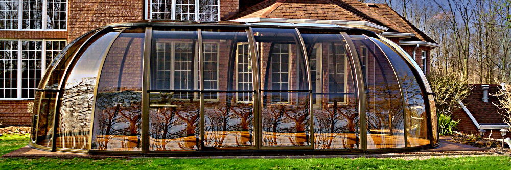 Hot tub enclosure spa sunhouse sunrooms for The sunhouse