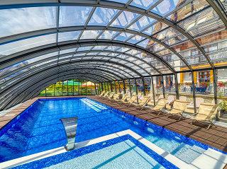 A look inside pool enclosure Ravena