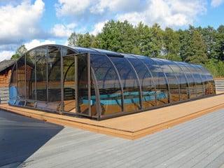 Aluminum pool enclosure Laguna from Pool and Spa Enclosures LLC