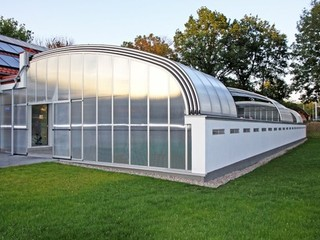 Atypical installation of Pool enclosure Style