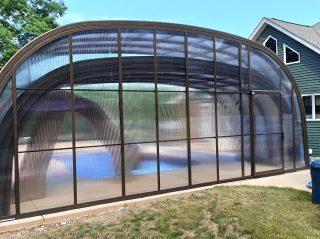 Atypical pool enclosure Laguna
