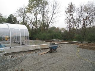 Atypical pool enclosure
