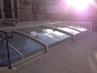 Atypical swimming pool enclosure Corona