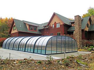 Closed swimming pool enclosure Laguna