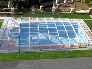 Elegant pool enclosure - low line pool enclosure - closed and ready to endure