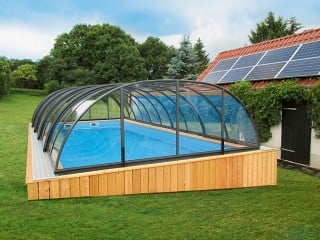 Front view on swimming pool ecnlosure Tropea NEO with transparent polycarb