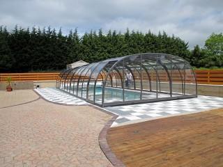 High line pool enclosure Laguna
