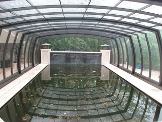 High line swimming pool enclosure Omega